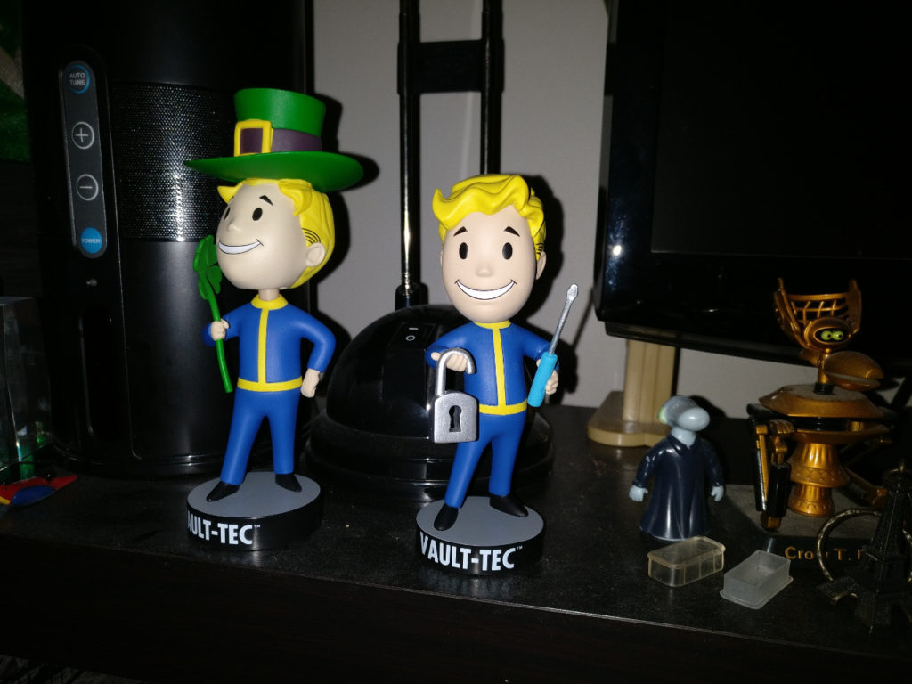 Fallout bobbleheads - Luck and lockpick